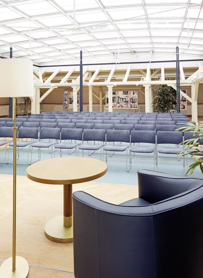 villa esche f r veranstalter raumportraits tagungsraum dachgeschoss. Black Bedroom Furniture Sets. Home Design Ideas